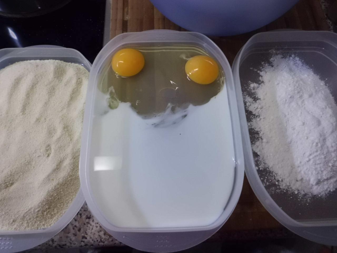 Panierstrasse: Mehl, Eier-Milch,Paniermehl