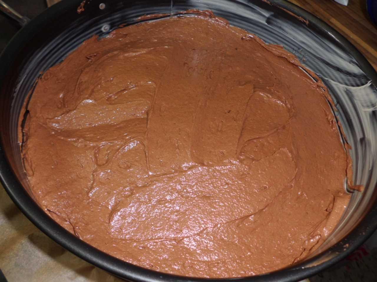 in eine Kuchenform geben und ausbacken