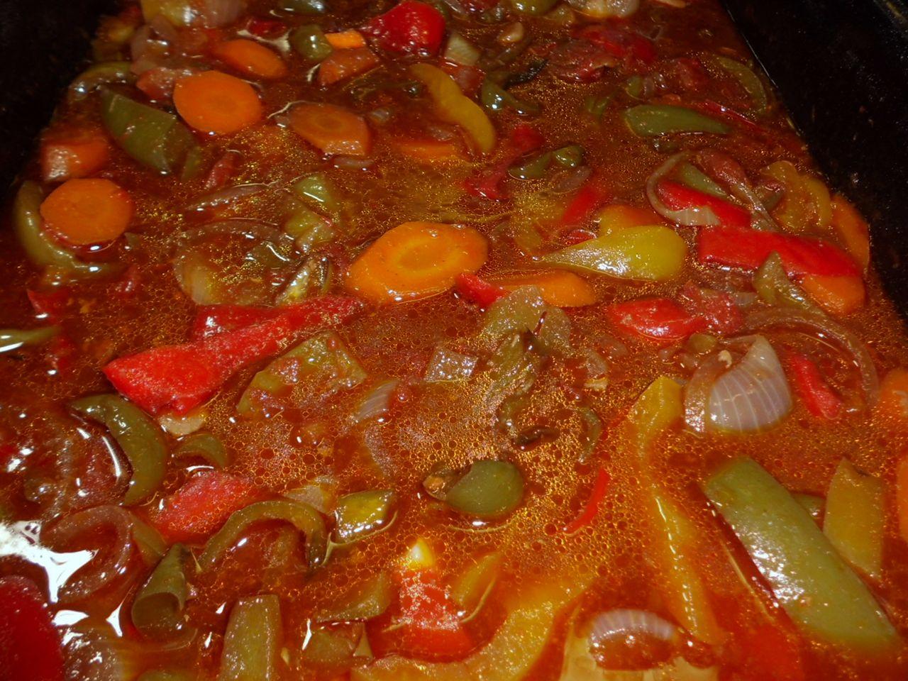Die Soße mit Speisestärke andicken