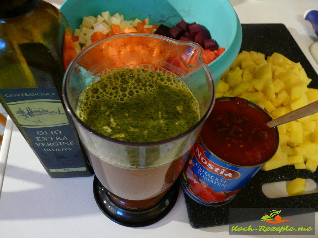 Brühe und Olivenöl mit Gemüse