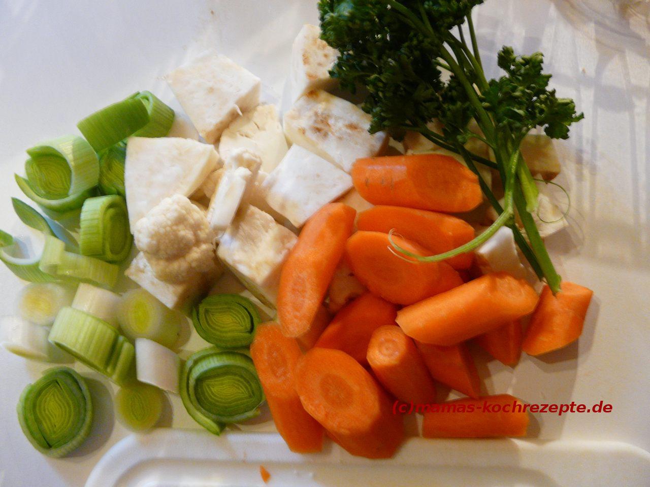 frisches Gemüse für die Brühe