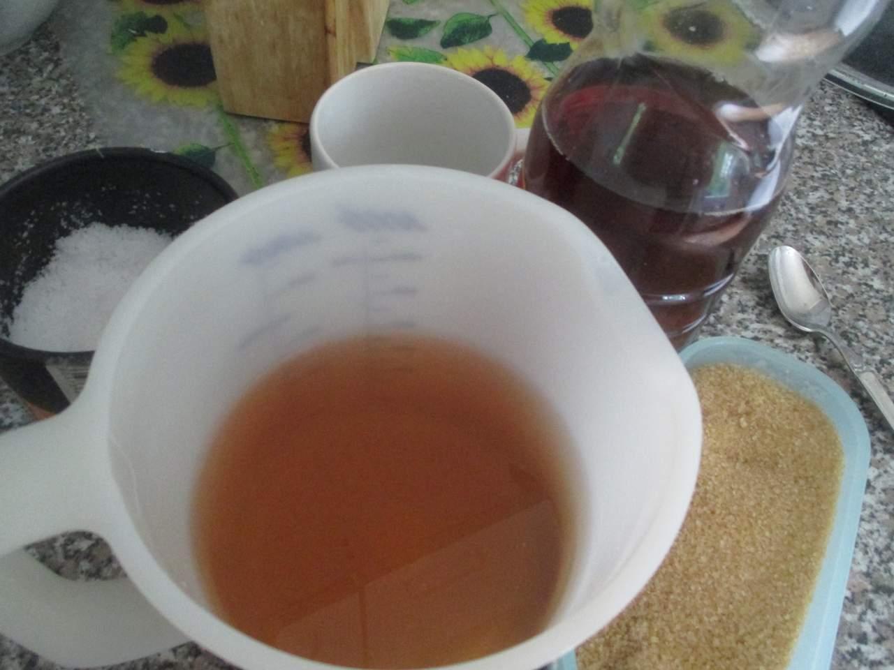 Sud Zutaten: Wasser, Traubenessig, Zucker, Salz