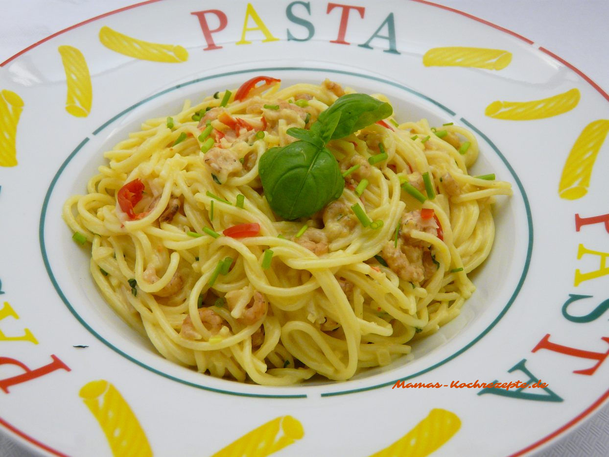 Schnelles Gericht Spaghetti mit Krabben-Sahnesauce