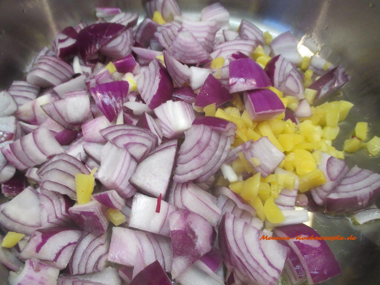 Zwiebeln und Knoblauch in Öl andünsten mit Rotwein und Wasser ablöschen 10 Min. köcheln lassen