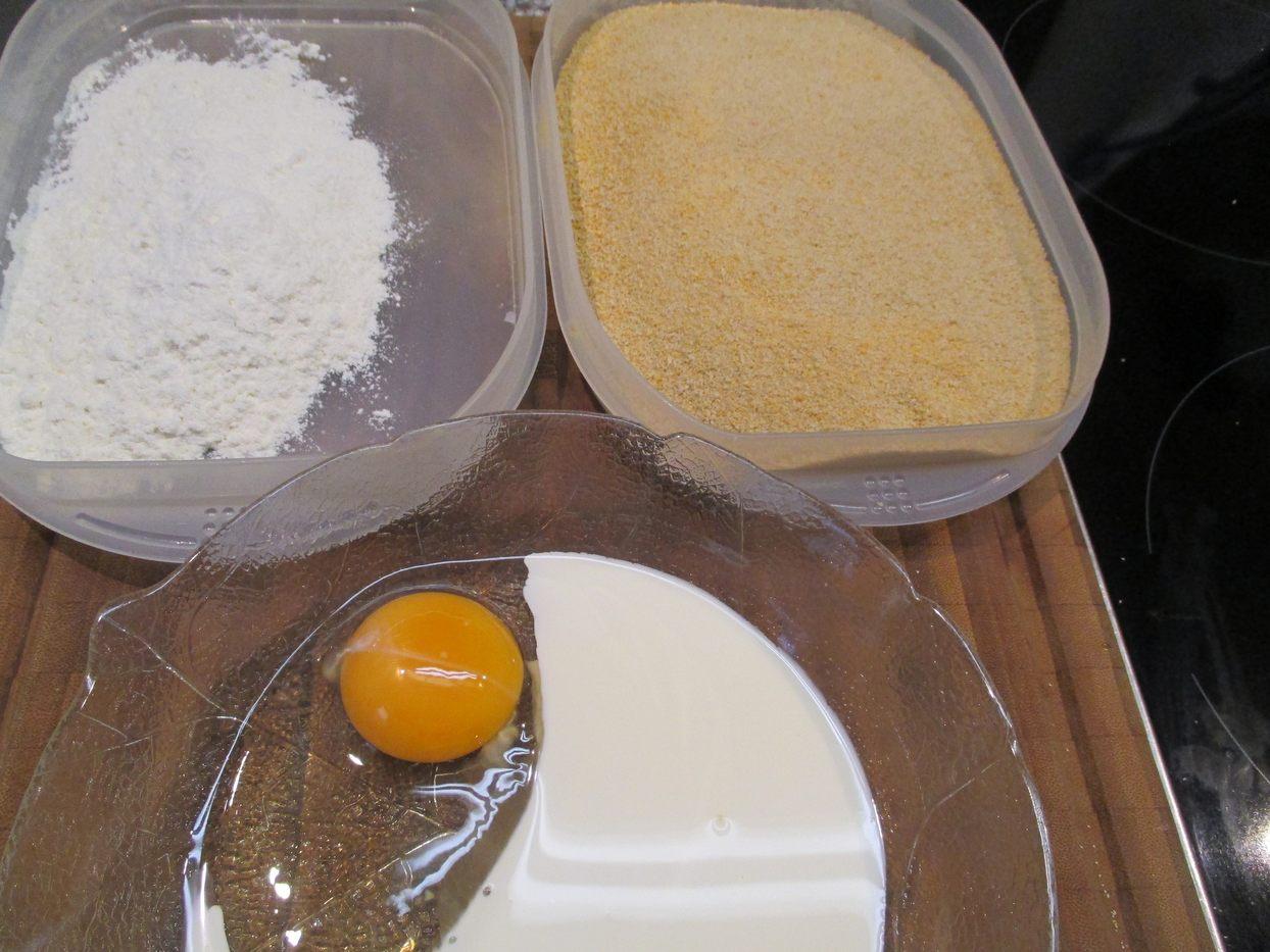 Die Panierstraße: Mehl, Eiersahne und Paniermehl