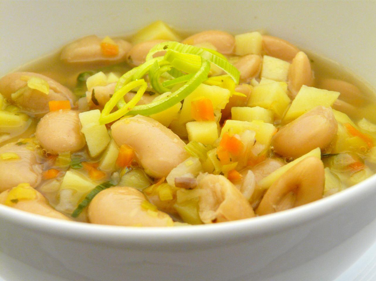 Weisse Bohnen Suppe
