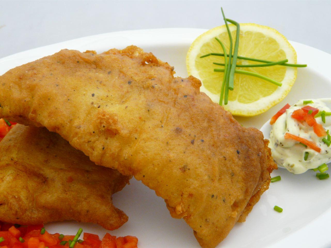 Backfisch fertig  Fisch im Bierteig