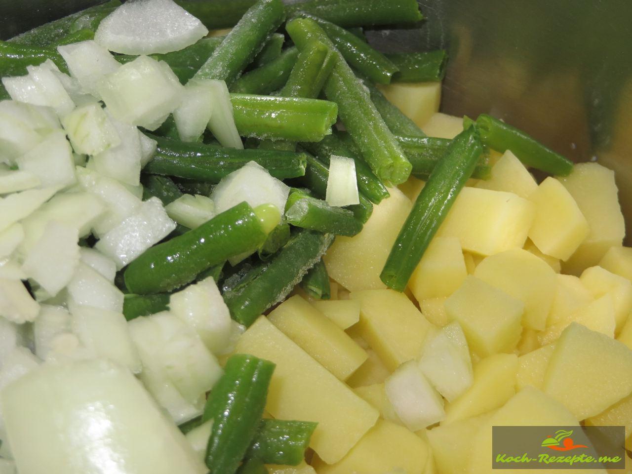 Gewürfelte Zwiebeln, Bohnen Kartoffeln